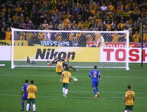 AUSvKUW: Mile Jedinak drives home a penalty to score. [photo Nick Pawsey]